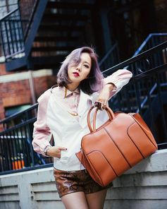 Ready for the week: the #TodsSellaBag as seen by Faye Tsui #TodsFavorites #TodsSellaBag