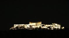 Lorsque l'Acropole flotte dans la nuit...