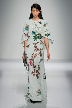 The Most Beautiful Runway Moments From Paris Fashion Week Spring 2016 | Andrew Gn