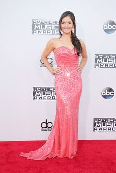All the Looks from the 2015 American Music Awards | Danica McKellar