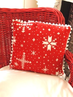 make a Christmas pillow out of an old Christmas sweater.