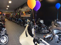 This is motorcycles as far as your eyes can see! Des motos à perte de vue!! www.moto-centre.com