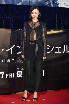 Rila Fukushima wearing Louis Vuitton Spring-Summer 2017 by Nicolas Ghesquière.