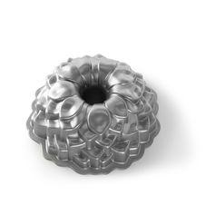 Nordic Ware | blossom bundt pan