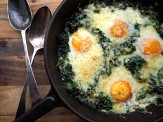 Eggs poached in spinach