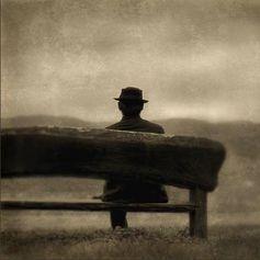 """SOLIPSISMO, AL CABO ENAMORADO// """"Poned atención: un corazón solitario no es un corazón"""" —Antonio Machado—. Con rima consonante un tanto tonta me recuerdas ¡oh proyección fantasma! (de mi ser emanando en pensamiento desde Conciencia en el aquí y ahora) que soy en soledad; ¡qué razón tienes!. Todo son —por más que le doy vueltas— percepciones, sentimientos, pensamientos que están en mí, surgen de mi conciencia, si no no hay nada in…—> http://albertotroconiz.blogspot.com.es/2015/12/solipsismo.html"""