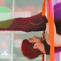 YOGA DANS L'AIR, RAFAEL MARTINEZ #aeropilates #aeroyoga #pilatesaerien #yogaaerien #stage #formation #yoga #pilates #fitness #rafaelmartinez #trapeze #trapecio #wellness #bienetre #bienestar #coaching #swign #harnais #balançoire #iogaaeri #yogadanslair #apesanteur