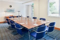 #Buckinghamshire - Holiday Inn Aylesbury - https://www.venuedirectory.com/venue/4069/holiday-inn-aylesbury  Do business with up to 120 guests in The Academy business centre's 7 #meeting rooms, with high-speed Internet and projectors to liven up presentations. A fantastic location for all kinds of #events and #conferences.