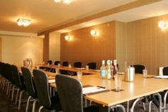#Buckinghamshire - Pinewood Hotel - https://www.venuedirectory.com/venue/475/pinewood-hotel  A perfect example of this #venue's extensive facilities would be The Symak room. This room accommodates up to 120 #delegates theatre style. The room is situated on the ground floor, offering disabled access, natural daylight and access on to the terrace with views of the landscaped gardens and beyond.