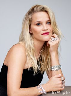 Reese Witherspoon in Giorgio Armani Privé.