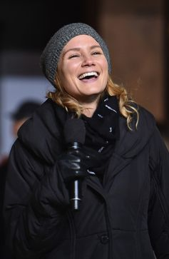 Singer Jennifer Nettles performs during day one of the 89th Annual Macy's Thanksgiving Day Parade rehearsals on November 23, 2015 in New York City.