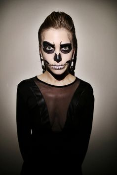 Last-Minute Halloween Makeup: Glam Skeleton