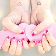 22 Swoon-Worthy Valentine's Day Nail Art Ideas