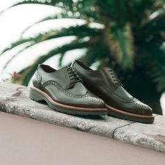 How to make all your other lace-ups green with envy. Expertly crafted brogues in an exceptional shade of hunter green, part of the new Ferragamo Spring 2017 men's collection. bit.ly/FerragamoMensShoesSS17