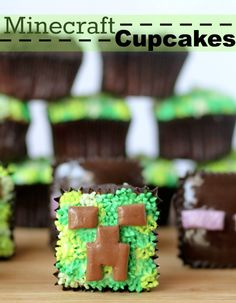 Minecraft Cupcakes  | www.confessionsofacookbookqueen.com |  #minecraft #cupcakes #birthday #party