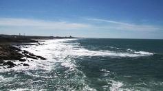 Mer JP3-104    :        La mer, si proche, si lointaine...