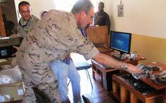 Julian Flores Garcia Director de seguridad,Segurpricat Siseguridad 93 116 22 88|637 36 81  Reseña del Batallón d Asuntos Civiles del ejercito Project BAS I pasa llamarse BCIMIC http://wp.me/p3z9Pl-UA vía @segurpricat #BCIMIC #Mali 33|julianflores@segurpricat.com.es| webs : Dirección:Pau Claris 97 Barcelona  Batallón de Asuntos...