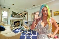 Kesha selling Venice cottage for $1.9 million.