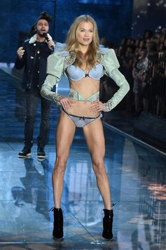 The Looks We Loved from the 2015 Victoria's Secret Fashion Show | Vita Sidorkina