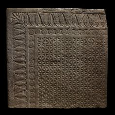 The overall pattern of the principal rectangle is a field of interlocking circles, drawn with a compass, giving the effect of flowers with six petals. Nineveh, Iraq (645-640 BC)