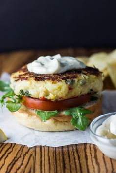Crab Cakes with Garlic Aioli - Oh these look good!