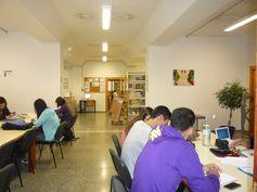 BIBLIOTECA DE FARMACIA, en el Campus de Anchieta. Una biblioteca pequeña pero acogedora.  Síguenos en la web y en nuestro blog: http://www.bbtk.ull.es/view/institucional/bbtk/Farmacia/es http://bibliotecadefarmaciaull.blogspot.com.es/ #bbtkfarm