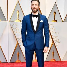 For the #Oscars, presenter #ChrisEvans wore a #Ferragamo cobalt blue tuxedo, accented with black satin trim.