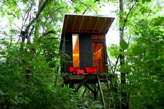 Treehouse in Tennessee Built by ModFruGal for Just $1,500 / The Green Life <3