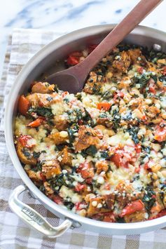 """Skillet Tomato Casserole with White Beans and Parmesan Croutons - A tomato """"casserole"""" of homemade croutons baked with juicy tomatoes, spinach, basil and white beans, then topped with Parmesan cheese. All prepared in one pot."""