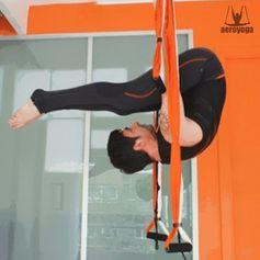 ACRO AERIEN, YOGA ACROBATIQUE AVEC RAFAEL MARTINEZ #aeropilates #aeroyoga #pilatesaerien #yogaaerien #stage #formation #yoga #pilates #fitness #rafaelmartinez #trapeze #trapecio #wellness #bienetre #bienestar #coaching #swign #harnais #balançoire #iogaaeri #yogadanslair #apesanteur