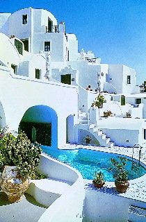 These villas on the Greek Island of Santorina look out on the #1 ranked sunset in the world. Each room is built into a cave and has private balconies. The hotel boasts a cave swimming pool.