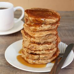 Earl Grey Vanilla Tea Pancakes with Honey Tea Syrup - Go beyond a cuppa tea with this pancake recipe!