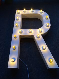 Marquee Letter #DIY #marqueeletter #letterstandees by: #mishees