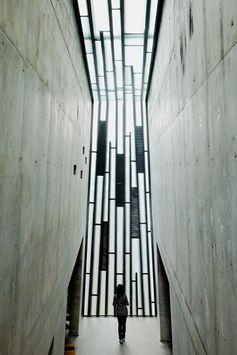 Holy Redeemer Church / Menis Arquitectos