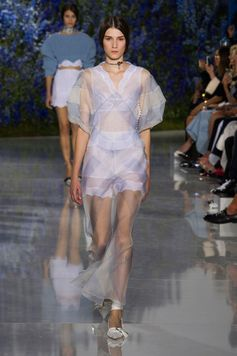 The Most Beautiful Runway Moments From Paris Fashion Week Spring 2016 | Christian Dior