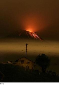 Volcan Tungurahua, Ecuador, Ambato, Baños - actividad volcánica enero 2008