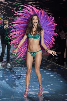 The Looks We Loved From the 2015 Victoria's Secret Fashion Show | Alessandra Ambrosio