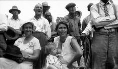 Breastfeeding at an Outdoor Meeting | Community Post: 25 Historical Images That Normalize Breastfeeding