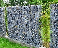 Muro de gabião com telas e brita Nº5
