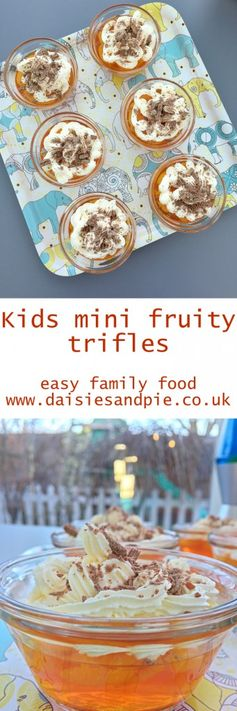 Kids mini fruity trifles, kids tea time treat, easy dessert for kids  | Easy family food from Daisies & Pie