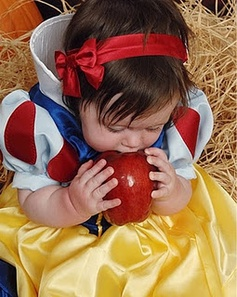Snow White Toddler Costume - Corrine's next Halloween outfit :-)