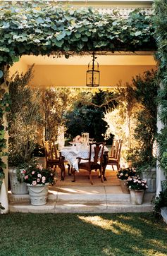 Secret garden-inspired, outdoor dining by Ralph Lauren Home