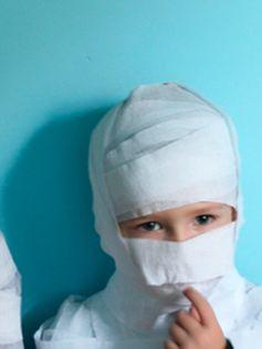Fabriquez ce costume de momie pour Halloween