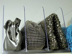 shelf dividers for small purses!