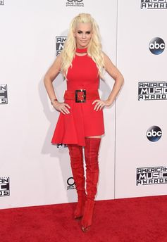 All the Looks from the 2015 American Music Awards | Jenny McCarthy