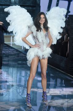 The Looks We Loved From the 2015 Victoria's Secret Fashion Show | Jaclyn Jablonski