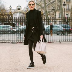 Black and white elegance for stylish Olivia Palermo strolling around Paris with her #TodsSellaBag