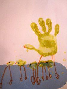 hand painting  #totschool #toddleractivities #toddlerartsandcrafts