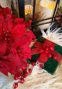 Dollar Store Holiday Bouquet: Great Gift Idea