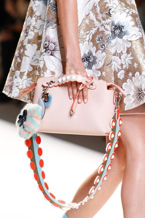 Fendi Spring 2017 Ready-to-Wear Fashion Show Details - See detail photos for Fendi Spring 2017 Ready-to-Wear collection.